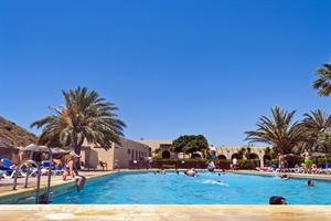 CAMPAMENTO DE TURISMO LOS ESCULLOS - Hotel cerca del Playa de los Genoveses