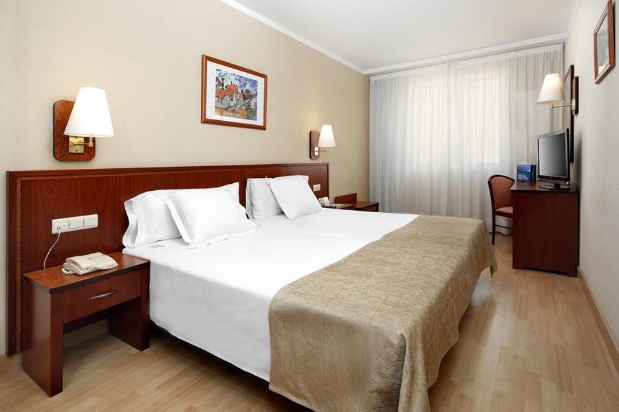 HCC MONTBLANC - Hotel cerca del Restaurante Zarabanda
