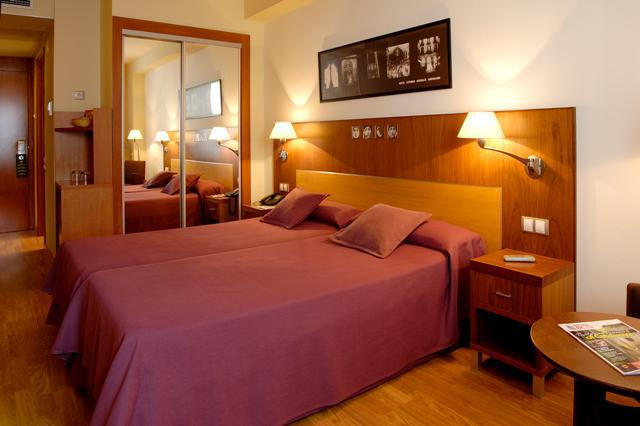 http://www.hotelresb2b.com/images/hoteles/45270_fotpe1_erossello1.jpg