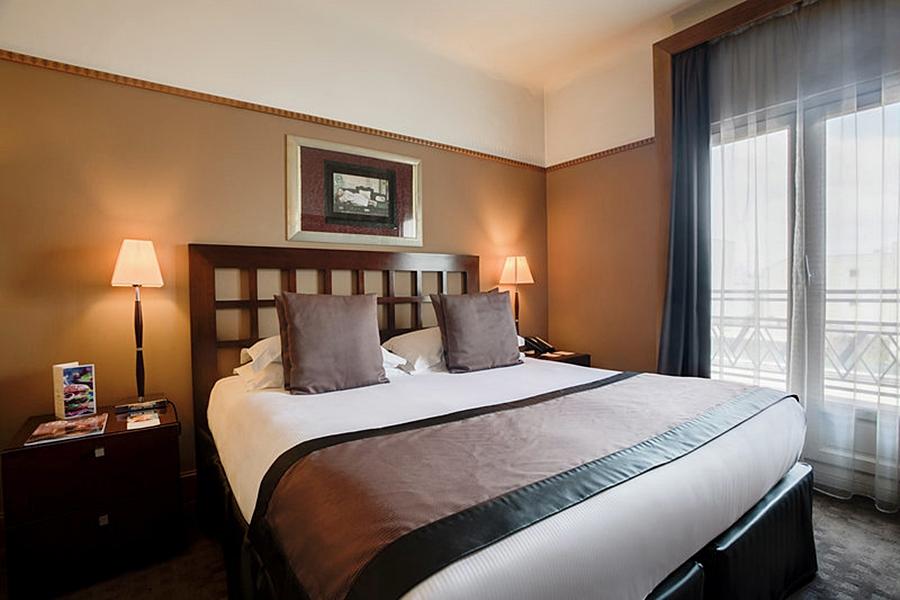 Hotel Bw Plus Mercedes Arc De Triomphe