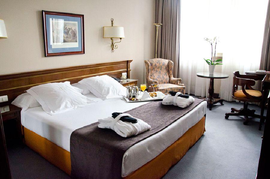 HOTEL MIGUEL ANGEL - Hotel cerca del Museo Reina Sofía