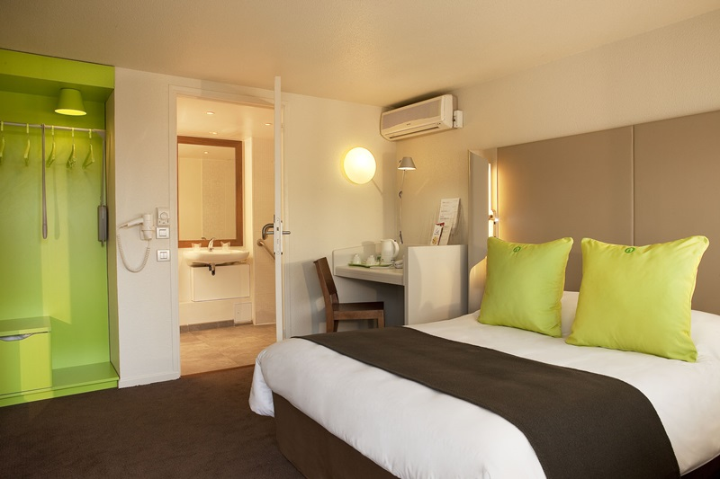 hotel brie comte robert brie comte robert viajes. Black Bedroom Furniture Sets. Home Design Ideas