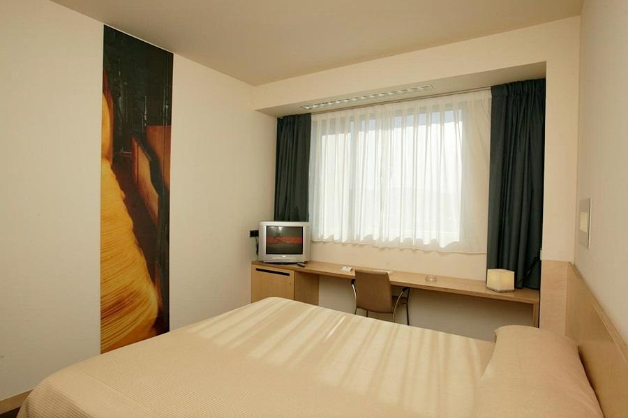 GOBEO PARK - Hotel cerca del Aeropuerto de Vitoria Foronda