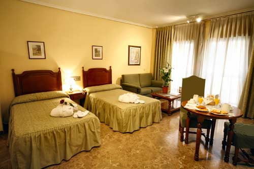 QUO ERASO APARTHOTEL - Hotel cerca del Estadio de la Peineta