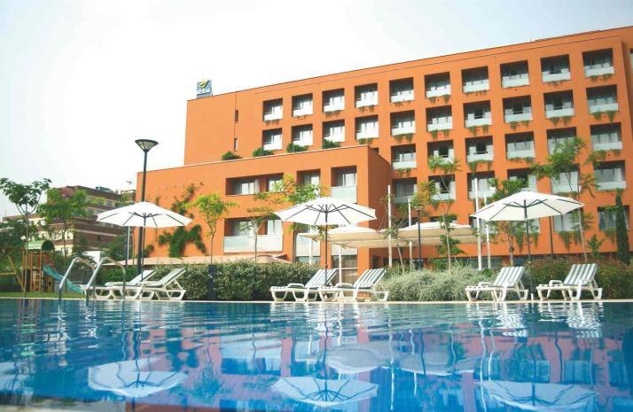 HOTEL ABBA GARDEN - Hotel cerca del Camp Nou
