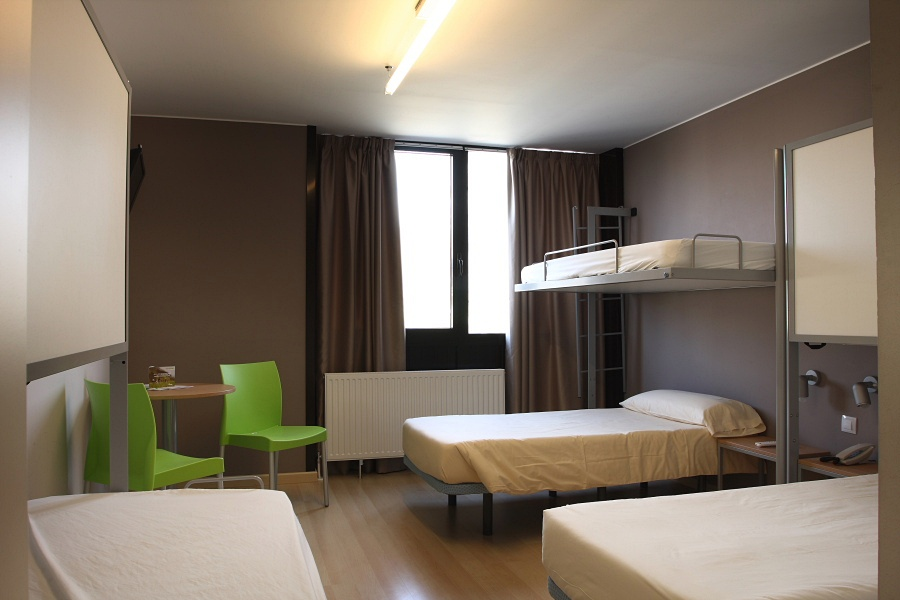 CAMPUS CERDANYA - Hotel cerca del Estación de Sky Guils Fontanera