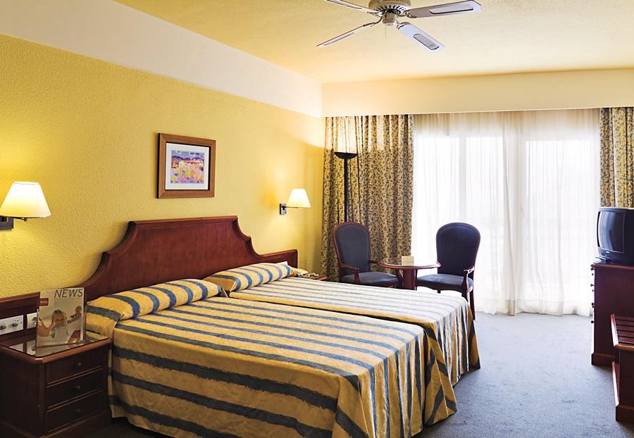 HOTEL RIU BELPLAYA - Hotel cerca del Palacio de Deportes Martín Carpena