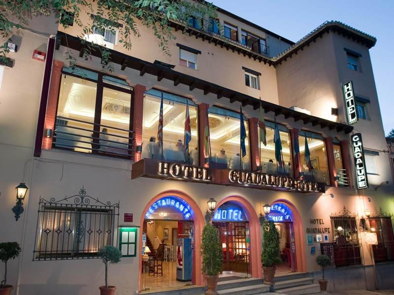 HOTEL GUADALUPE - Hotel cerca del Estadio de Los Cármenes