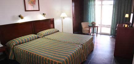 Hotel Caribe thumb-2