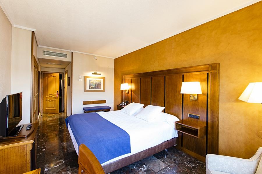 CONDESTABLE IRANZO - Hotel cerca del Nuevo Estadio La Victoria