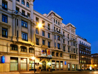 TRYP ATOCHA - Hotel cerca del Estación Sur de Autobuses