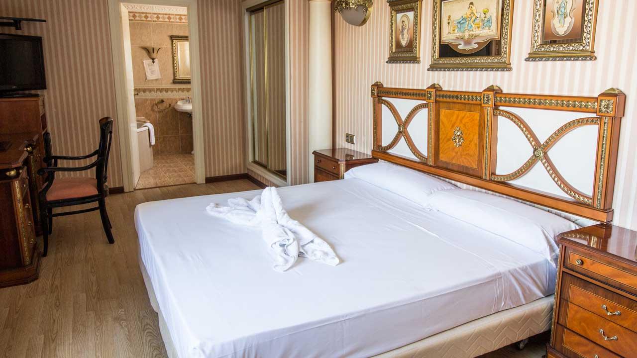 Hoteles en zaragoza con jacuzzi en la habitaci n - Habitacion con jacuzzi zaragoza ...