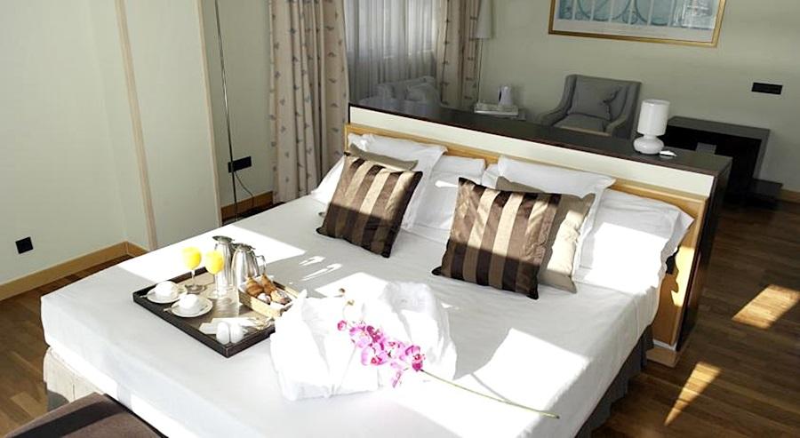 EUROHOTEL DIAGONAL PORT - Hotel cerca del Restaurante El vaso de oro
