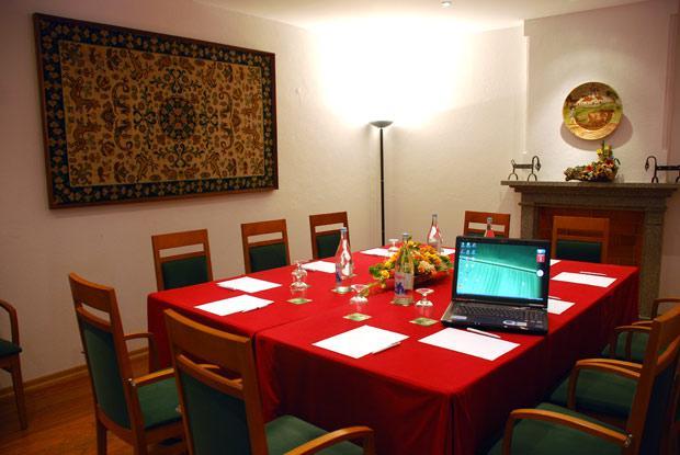 http://www.hotelresb2b.com/images/hoteles/68981_foto7_SALONOK22.JPG