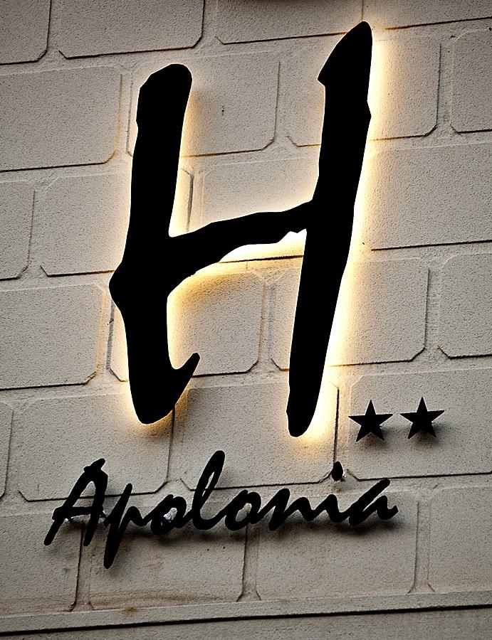 APOLONIA - Hotel cerca del Estadio Los Pajaritos