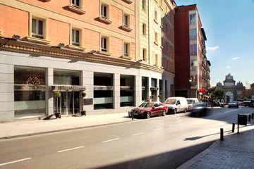 GANIVET - Hotel cerca del Estación Sur de Autobuses
