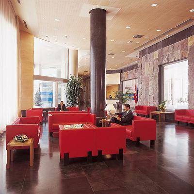 HOTEL ILUNION ALCALA NORTE - Hotel cerca del Estadio de la Peineta