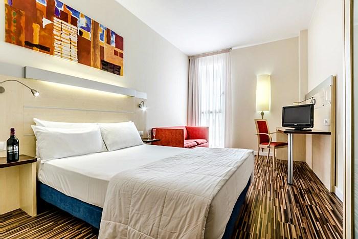 Hotel Yit Ciudad De Zaragoza