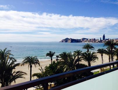 APARTAMENTOS ATLANTIDA - Hotel cerca del Playa de Poniente de Benidorm