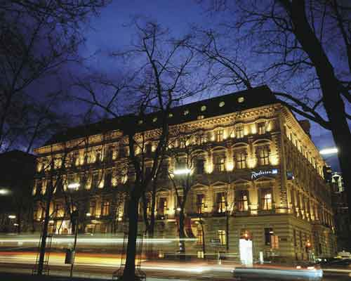 http://www.hotelresb2b.com/images/hoteles/71483_fotpe1_exterior.jpg