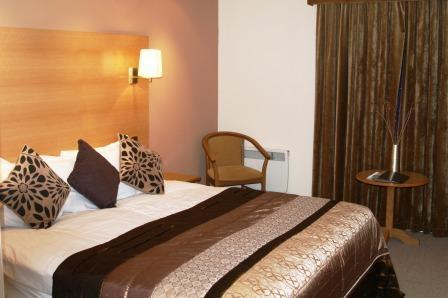 Hotel Crowwood 1
