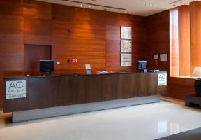 AC HOTEL GUADALAJARA - Hotel cerca del Plaza de Toros de Guadalajara