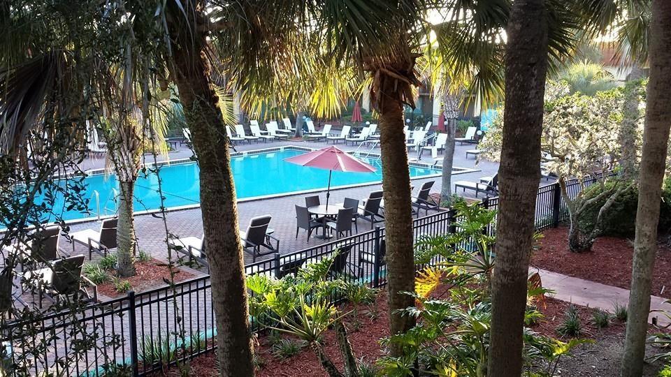 Maingate Lakeside Resort & Hotel