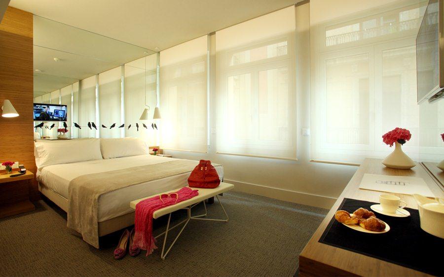 PARK HOTEL BARCELONA - Hotel cerca del Bravas en el Bohemic