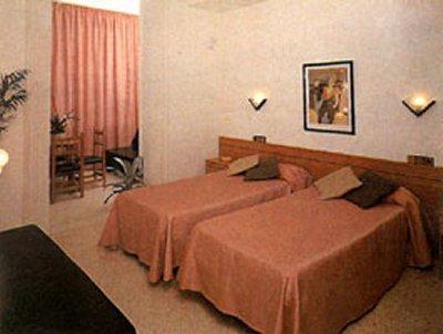 PELAYO HOTEL - Hotel cerca del Bar Betty Ford