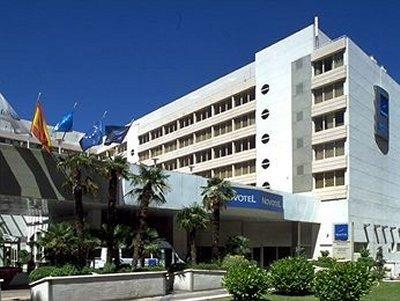 NOVOTEL CAMPO DE LAS NACIONES HOTEL - Hotel cerca del Estadio de la Peineta