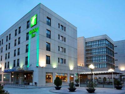 HOLIDAY INN CALLE ALCALA (MIN STAY) - Hotel cerca del Estadio de la Peineta