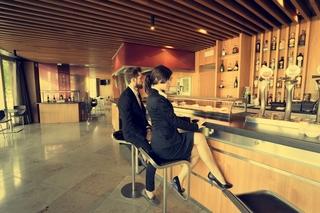 ZENIT JARDINES DE ULETA SUITES - Hotel cerca del Aeropuerto de Vitoria Foronda