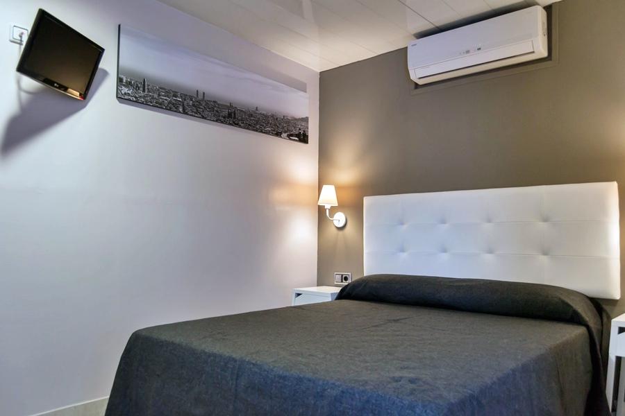 HOSTAL SANT PAU - Hotel cerca del Creperia Bretonne Balmes