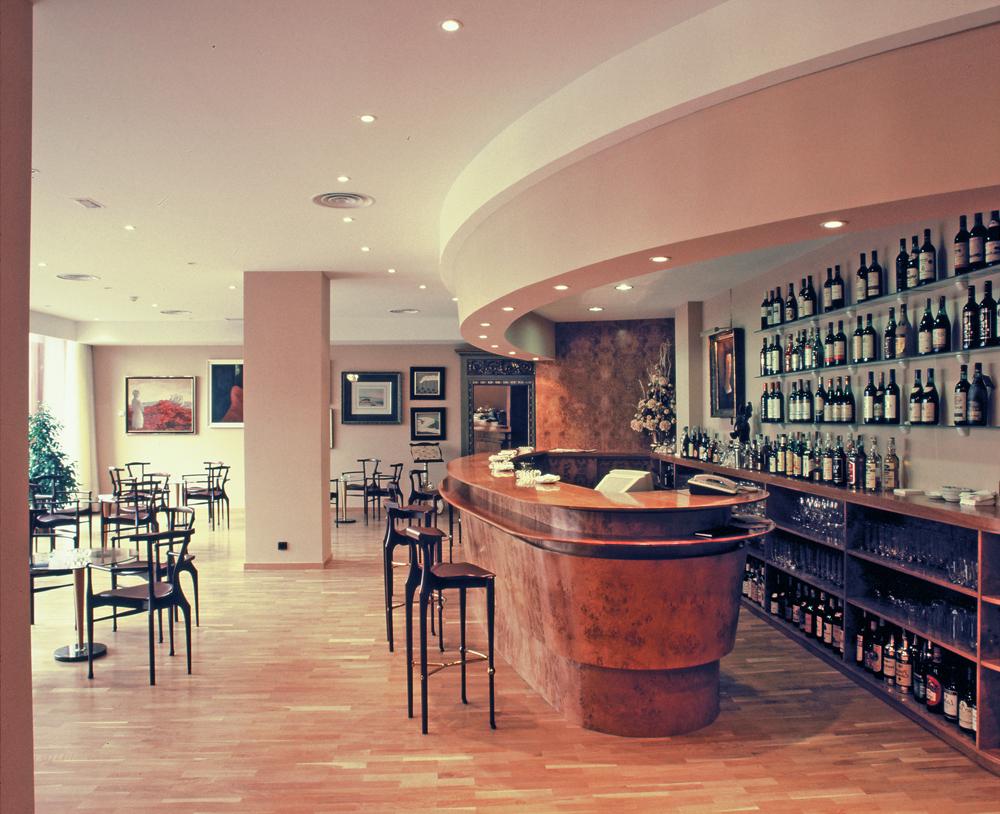 MERCURE CARLTON RIOJA - Hotel cerca del Aeropuerto de Logroño - Agoncillo
