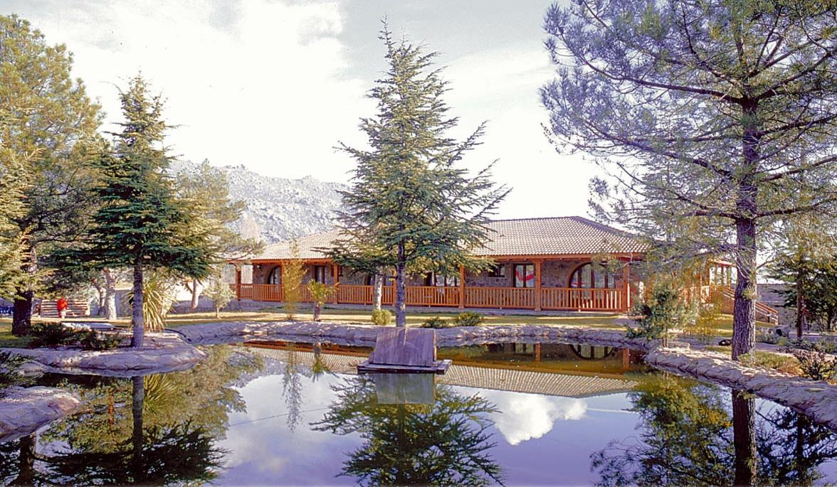 HOTEL LA SIERRA BY SELECTA (BLUEASENSE SIERRA MADRID) - Hotel cerca del Estación de Esquí de Valdesquí