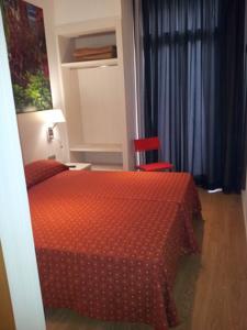 HOTEL TRANSIT - Hotel cerca del Camp Nou