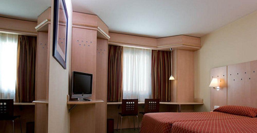 NH BARAJAS - Hotel cerca del Estadio de la Peineta