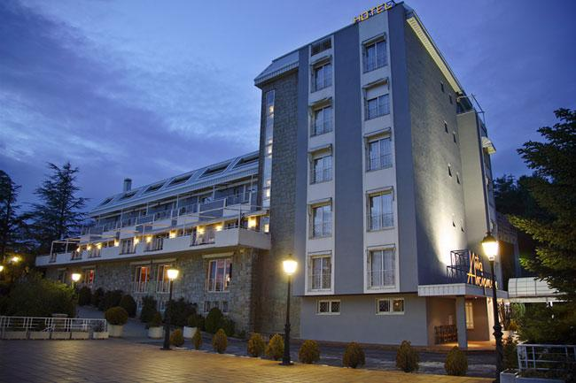 HUSA ARCIPRESTE DE HITA - Hotel cerca del Estación de Esquí de Valdesquí