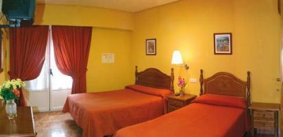 HOSTAL PLAYA - Hotel cerca del Puerta del Sol