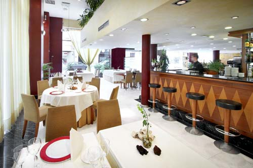 http://www.hotelresb2b.com/images/hoteles/7822_foto1_RESTAURANTE-2007.jpg