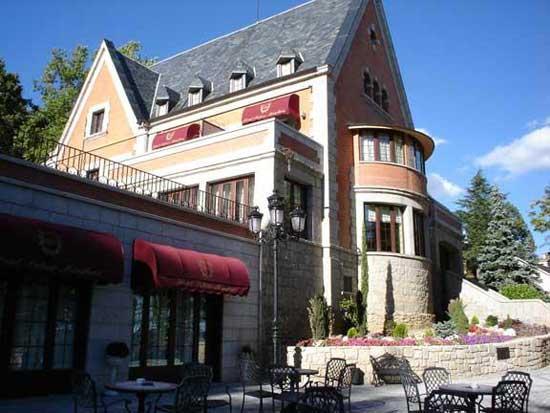 PALACIO MIRAFLORES - Hotel cerca del Estación de Esquí de Valdesquí