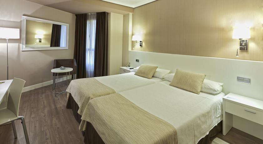 Trovalia - HOTEL ABANDO