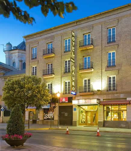 DAURO - Hotel cerca del Estadio de Los Cármenes