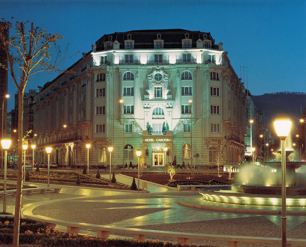 CARLTON - Hotel cerca del Bar-Restaurante Ambigú
