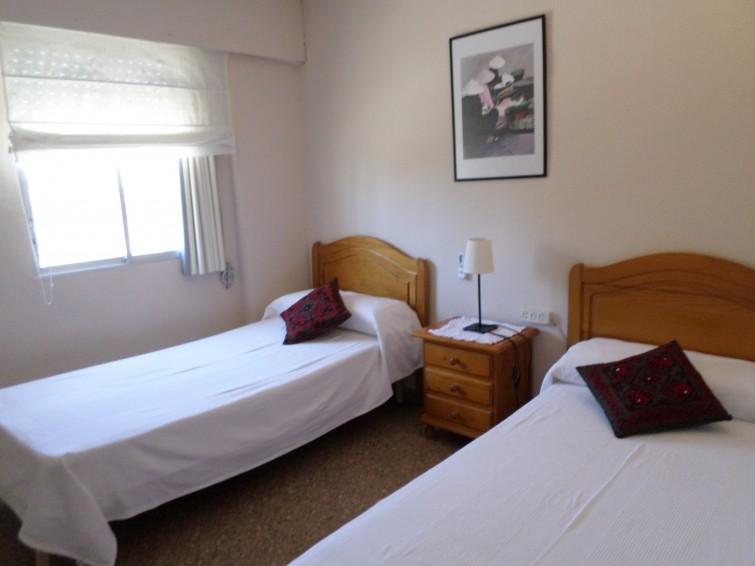 637112) APARTAMENTO EN ALICANTE CON AIRE ACONDICIONADO, ASCENSOR, APARCAMIENTO, JARDÍN - Hotel cerca del Cabo de las Huertas