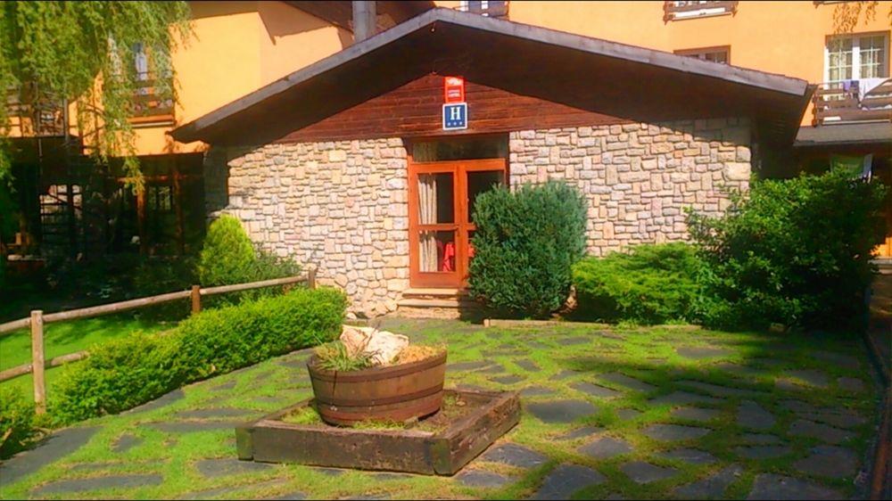 HOTEL ROC BLANC - Hotel cerca del Estación de Sky Guils Fontanera