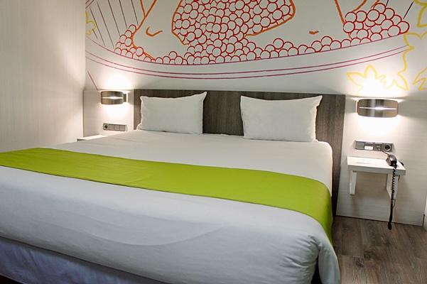 IBIS STYLES MADRID PRADO - Hotel cerca del Bar El Azul de Fucar