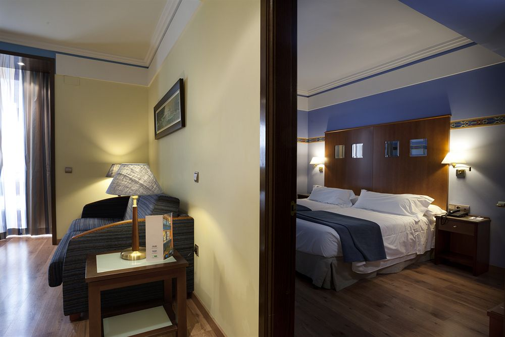 SUITES GRAN VIA 44 - Hotel cerca del Jardines del Triunfo de Granada
