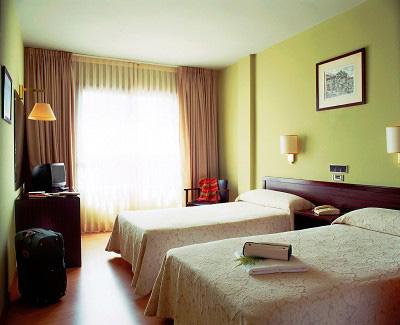 CELUISMA LOS TILOS - Hotel cerca del Aeropuerto de Santiago de Compostela Lavacolla