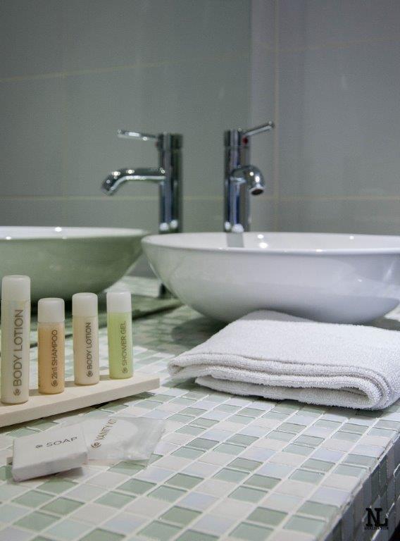 hoteles en reims. Black Bedroom Furniture Sets. Home Design Ideas